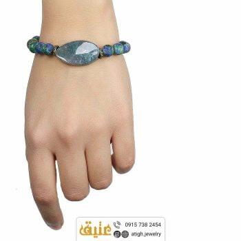 دستبند آزوریت مالاکیت مات و جاسپر تراش پیچ اصلی بافت بهمراه حدید مکعبی