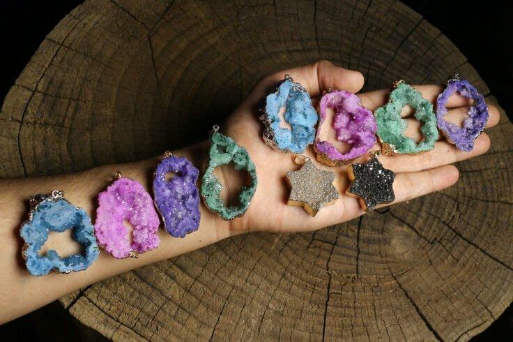 کرامات، خواص سحری و درمانی سنگها
